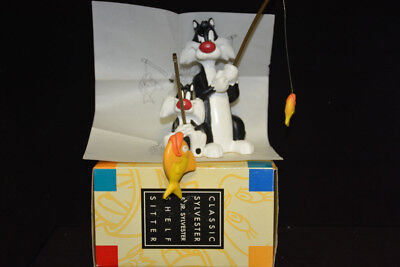 Warner Brothers store exclusive - Classic Sylvester and Junior Shelf Sitter