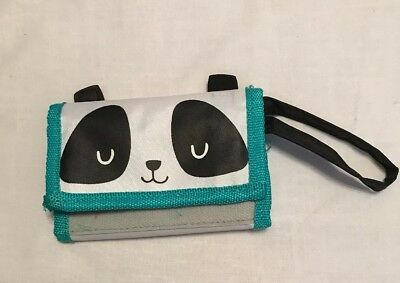 Wallet-Black, Green & White-5 Slots, 1 ID & Zip Slot $1.50 each or 4 for $5.00