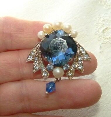 Jewellery  Pretty Vintage Brooch , Deep Blue Faceted Cabachon & Pearls 883