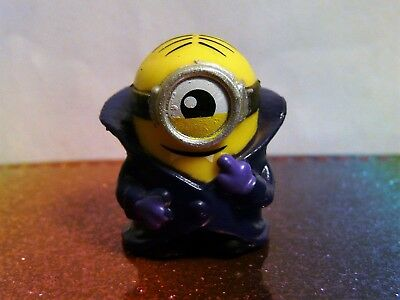 Despicable Me Mineez Series 1 #27 HOLE IN ONE MINION Mini Figure Mint Loose