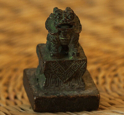 Antique Chinese Small Bronze Seal - Lion the Guardian - Rare! Size = 4,5cm