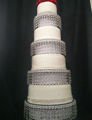 Crystal cake stand wedding cake display  chandelier cake stand diamante