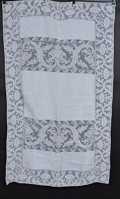 Very Fine Antique Scrolled Lace And Linen Table Cloth