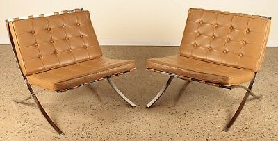PAIR BARCELONA CHAIRS TUFTED LEATHER C.1975 Lot 269