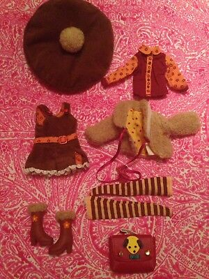 Blythe Mod Molly Stock Outfit