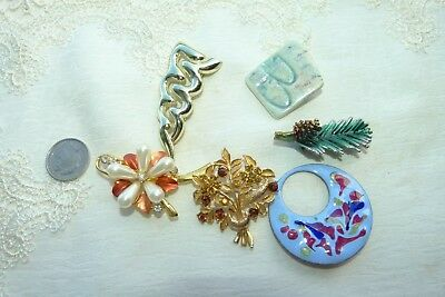 Jewellery - Group Of Six Pretty Brooches 143