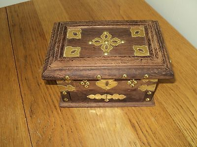 pretty Jewellery Box collectors antique style box middle eastern jewelry box++×