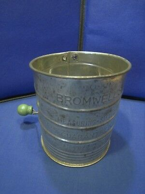 Vintage Aluminum Metal BROMWELL'S Measuring Sifter Painted Green Wood Turn Knob