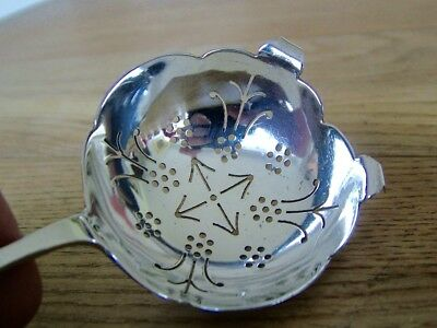 Good Quality 44 Grams Hm1954 Solid Silver Tea Strainer Cup Top Filter Viner's Nr