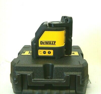 DeWALT DW088K Self Levelling Cross Line Laser & Wall Bracket in a Case