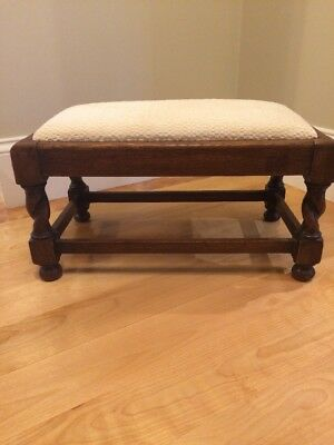 "Beautiful vintage oak footstool in very good condition.  Measures 21""x12""x10"" Ht"