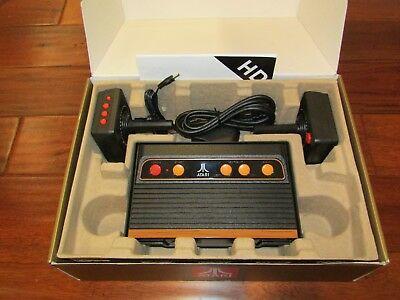 Atari Flashback 8 Gold Console HDMI 120 Games 2017 Two Wireless Controllers MINT