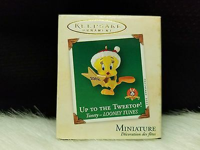 2002 Hallmark Keepsake Ornament Up To The Tweetop