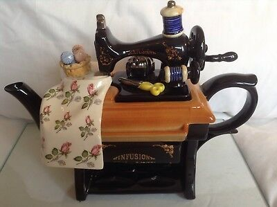 Cardew Large Collectable Novelty Teapot Infusion Sewing Machine Great Condition