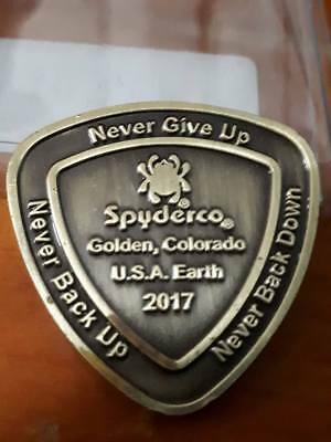 Spyderco knives commemorative coin token support military and law enforcement