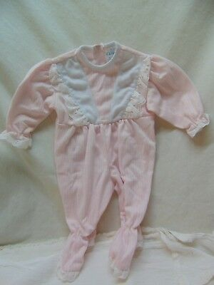 **Vintage** Baby Girl Size S(6-14 lbs) Light Pink w/ Eyelet Trim Footed Pajamas