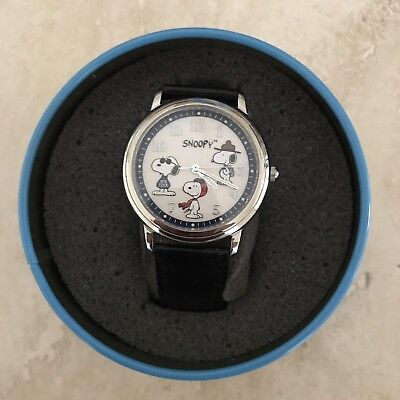 Snoopy Peanuts Limited Edition Fossil Watch & Lapel Pin In Tin NIB Working