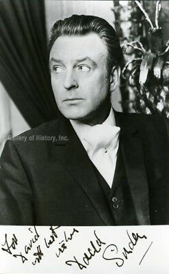 Donald Sinden - Inscribed Photograph Signed