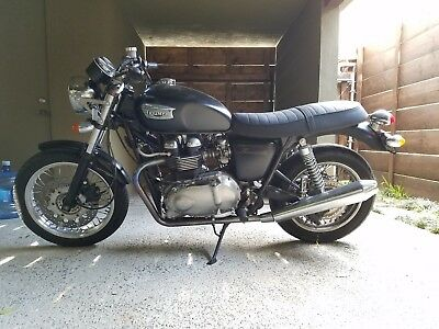 2006 Triumph Other  2006 triumph thruxton 900 (excellent condition)