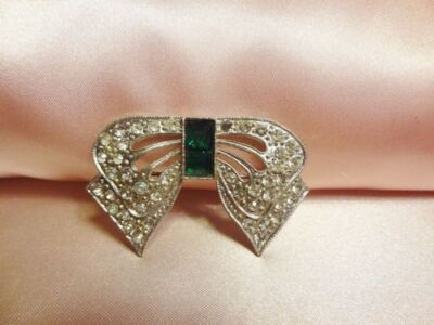 Vintage Antique Art Deco Bow Pot Metal Green Clear Rhinestone Brooch Pin