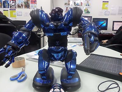 WowWee Robosapien  Robot With Remote
