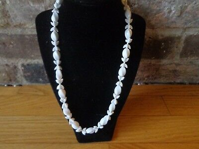 Vintage Art Deco White Milk Glass Necklace 20 In