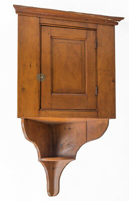 19TH CENTURY PINE HANGING CORNER CUPBOARD Lot 190