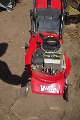 Victa 4 stroke sprint 375 lawn mower with catcher
