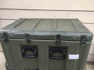 """Military Pelican Hardigg Storage Container Case 32""""x20""""x18"""" Rolling Camera Chest"""
