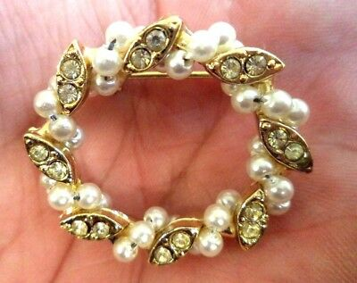 "Stunning Vintage Estate Faux Pearl Rhinestone Wreath 1 1/8"" Brooch!!!! 8590L"
