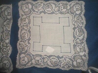 """A Set Of 4 Gorgeous Linen And Lace Mats 9.5"""" Square"""