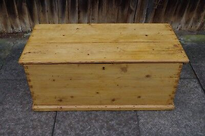 Beautiful Large Antique Victorian Pine Blanket Box Chest Trunk Coffee Table