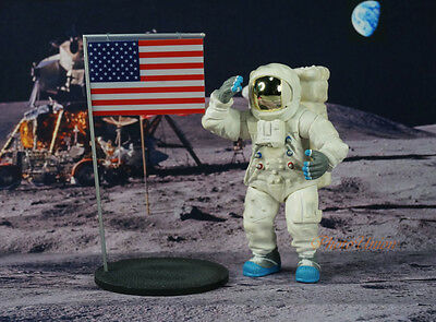 K1176 C Apollo 11 Lunar Landing Space Astronaut Neil Armstrong 1:18 Figure Model