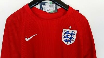 maillot Angleterre Nike foot taille xl extérieur rouge neuf