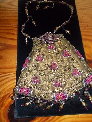 1920's beaded purse with rhinestone clasp