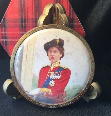 Vintage Mascot Powder Compact monarchy Queen Elizabeth 2 Trooping The Colours