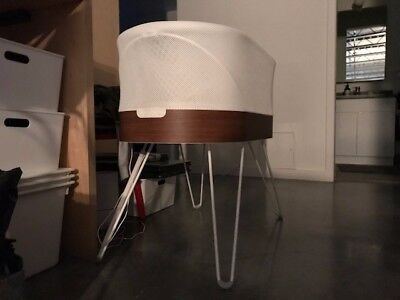 SNOO Smart Sleeper Bassinet, slightly used (only used 3 months)