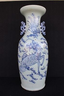 Big early 20th century vase with shí shī and Griffon decoration Chinese ecport