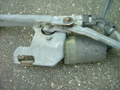 VW T4 Caravelle 1998 Windscreen Wiper Motor and Mechanism linkage + 2 wiper arms