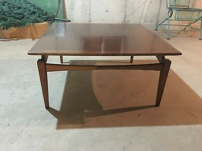 1960s Mid Century Modern Walnut Cocktail Coffee Table