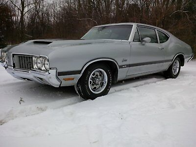 1970 Oldsmobile Cutlass S Post Coupe 1970 Oldsmobile Cutlass S Post Coupe W-31