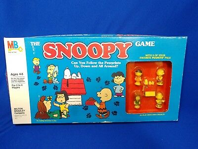 Vtg THE SNOOPY BOARD GAME PEANUTS CHARLIE BROWN LUCY LINUS MILTON BRADLEY MINTY