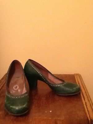 vintage high heels 1940 green natural poise style