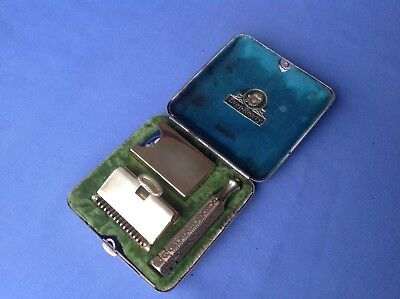Circa 1925 EVER-READY TU-TONE case with Ever-Ready SE safety razor; made in USA