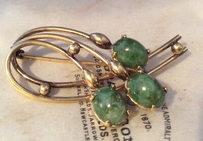 Vintage Jewellery Signed 12kt gold plated nephrite jade cabochon brooch