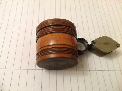 Antique treen pill box,turned,with screw lid