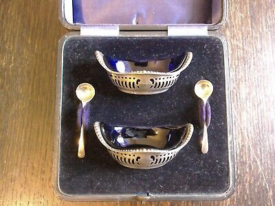 Hallmarked And Cased Silver Salts - Birmingham 1907 By Charles Green & Co.