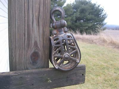 Antique Vintage Cast Iron Barn Hay Pulley Farm Tool Primitive