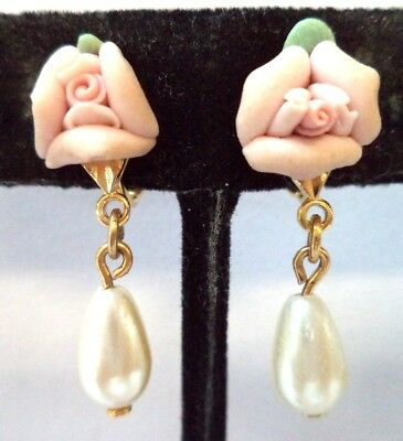 "Stunning Vintage Estate Faux Pearl Flower Leaf 1 1/8"" Clip Earrings!!!! 8603A"