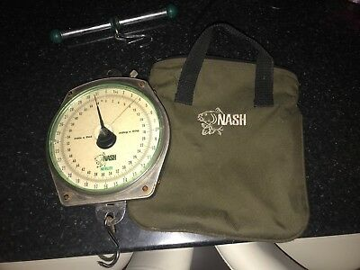 NASH FISHING SCALES WITH BAG AND BAR UP TO 70lb